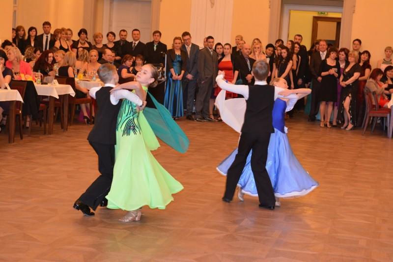 Ples_2_ZS_Holesov_2015_106